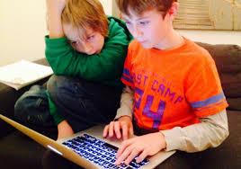 ¿Por qué un menor es acosado en internet?